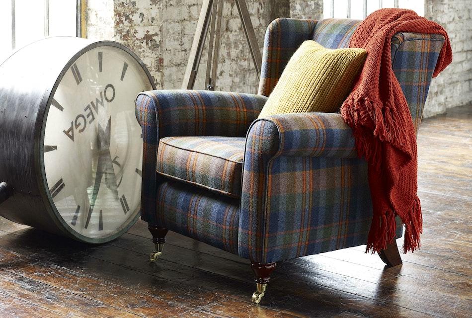 Poppy wing chair